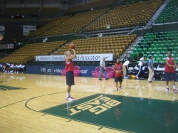 Elana Delle-Donne Warms-Up